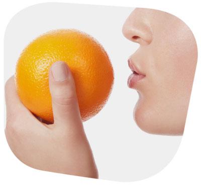 Kussmund Frau Orange